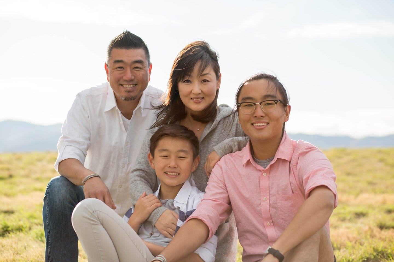 Alejandro Kims family pic